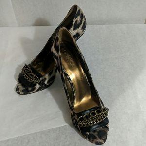 Guess animal print w/chain details heels Sz 8.5